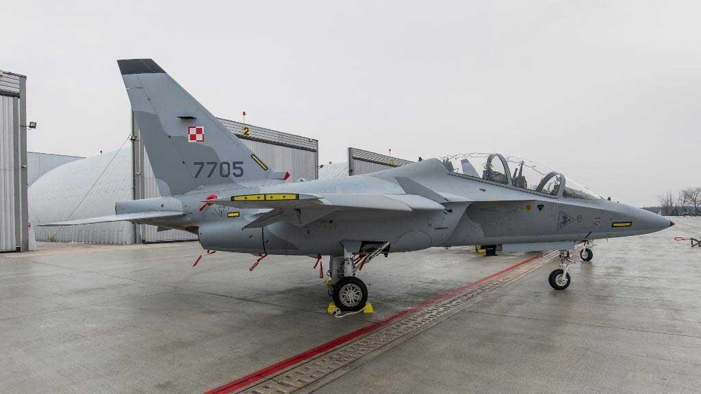 ポーランド空軍がM-346練習機を受領・運用開始