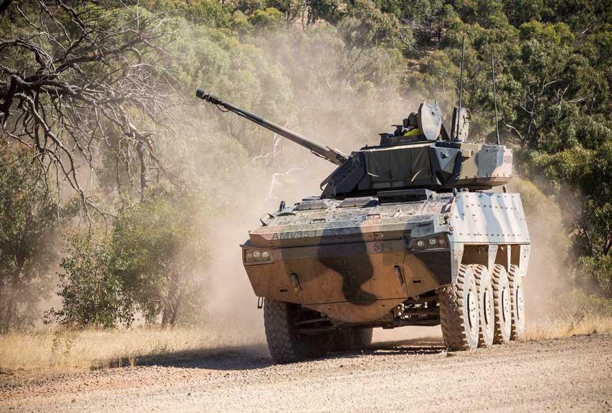 選考テスト中のAMV35(Image:Commonwealth of Australia 2017)