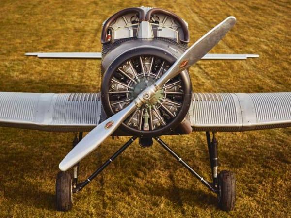 99年前の旅客機、リモワの手で復活再生産開始