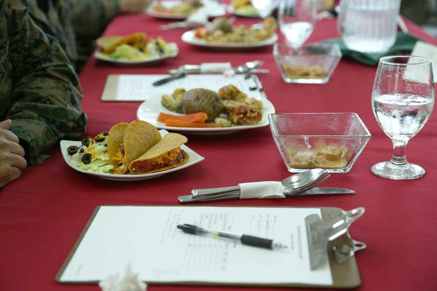 沖縄のアメリカ海兵隊で恒例のミリタリー版「料理の鉄人」開催