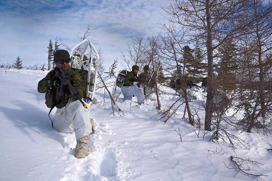 カナダ軍の極地戦技訓練「ノーザン・ソージャン」始まる
