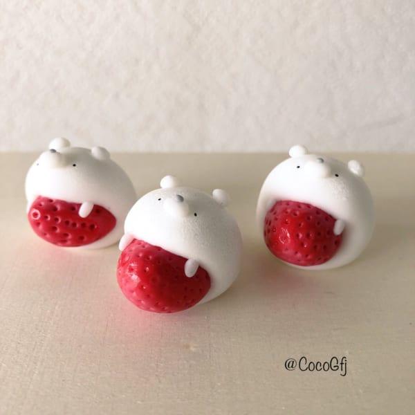 お菓子なアクセサリー 「ニュータイプいちご大福」が可愛らしい