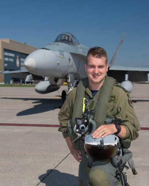 2018年のCF-18デモパイロット、ステファン・ポーテウス大尉