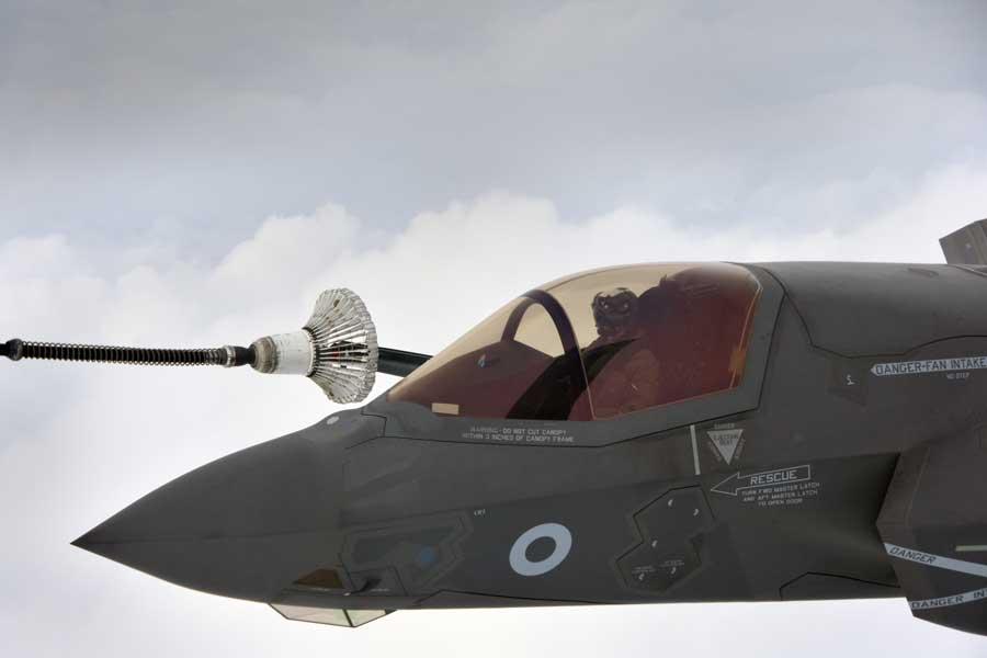 イギリス軍のF-35B、自国機材を用いた初の空中給油を実施