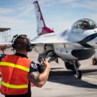 アメリカ空軍サンダーバーズが飛行訓練を再開