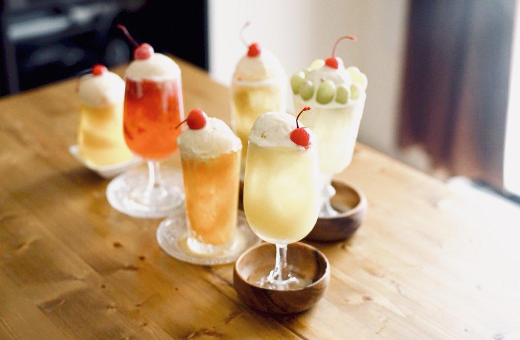 旬のフルーツをクリームソーダに!ミキサーで作るクリームソーダがオシャレ!