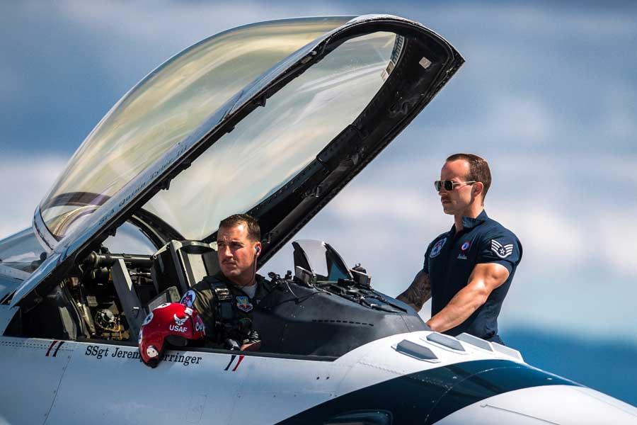 2018年4月4日の事故で亡くなったデルバグノ大尉。3月22日の飛行訓練での姿(Photo:USAF)