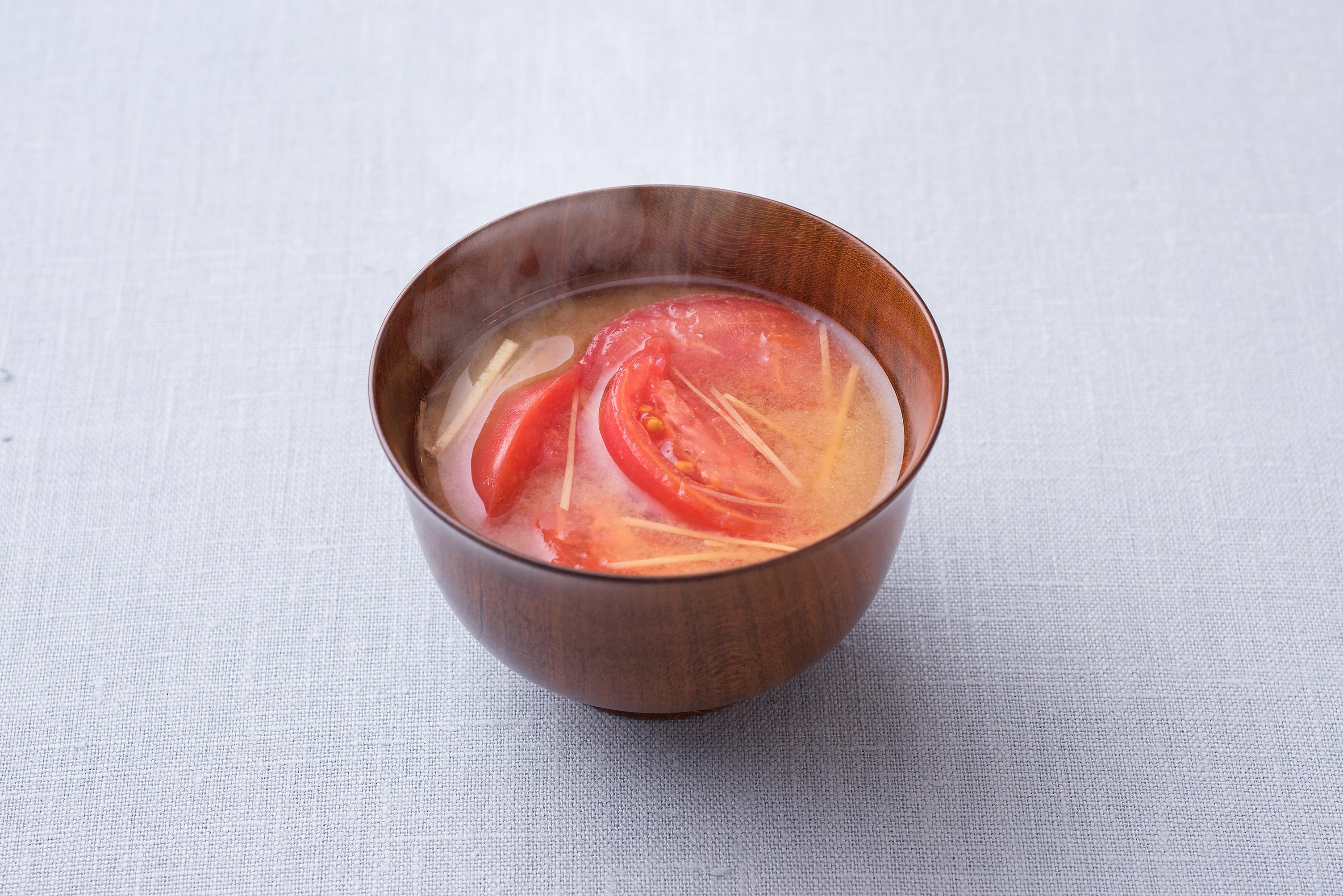 味噌汁に「意外と」あう食材は? 1位にまさかの「トマト」