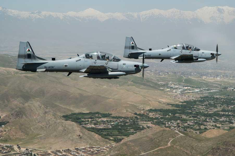 編隊飛行するアフガニスタン空軍のA-29