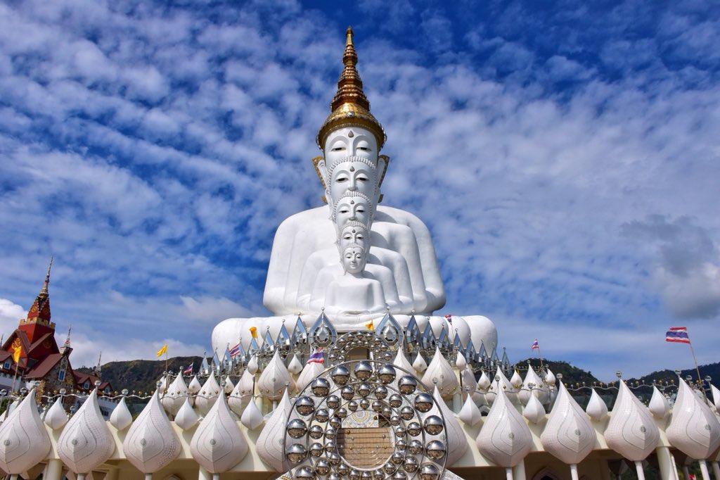 異世界感がものすごいタイ仏像の姿がアメージング!!