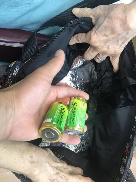 保冷バッグに入れた乾電池が発熱!電気屋さんが注意喚起