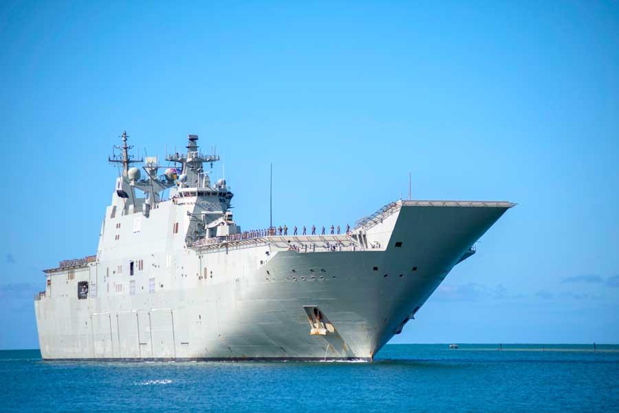 オーストラリアの強襲揚陸艦アデレード(L01)