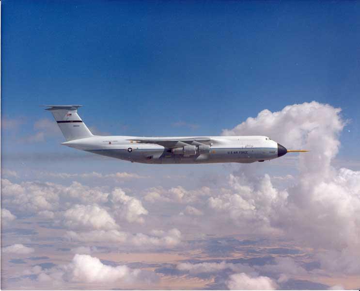 試験飛行中のC-5A