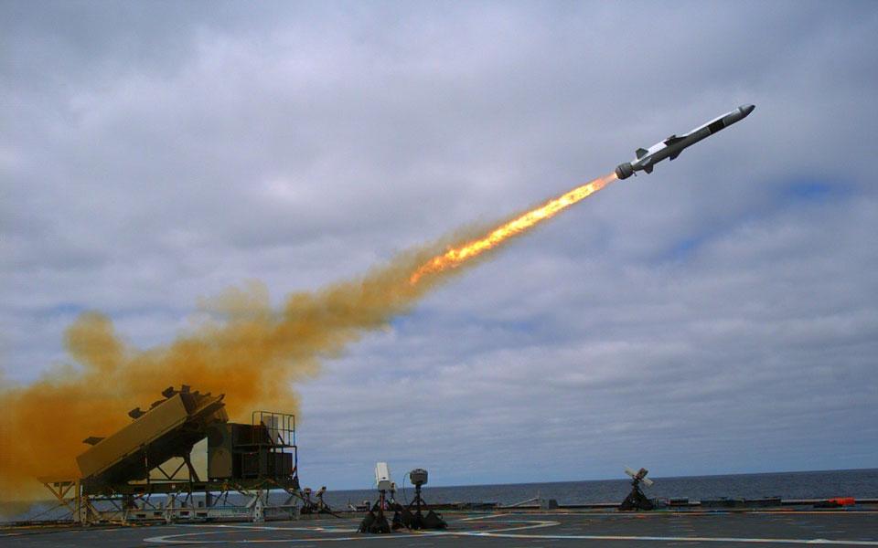 マレーシアとアメリカが新型長距離対艦ミサイルNSMを発注