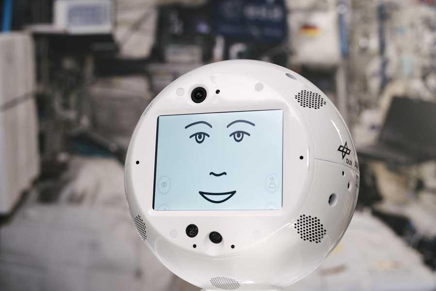 ガンダム「ハロ」的存在なのにすごくコレジャナイ感…AI搭載「宇宙飛行士支援ロボット」ついに宇宙へ