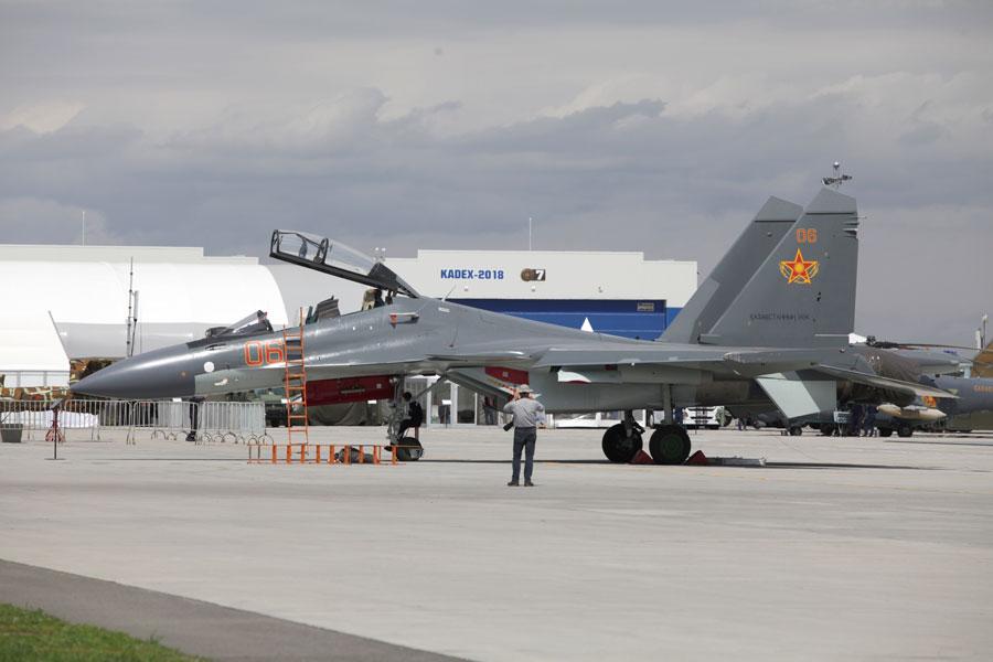 カザフスタンがSu-30SMを追加発注