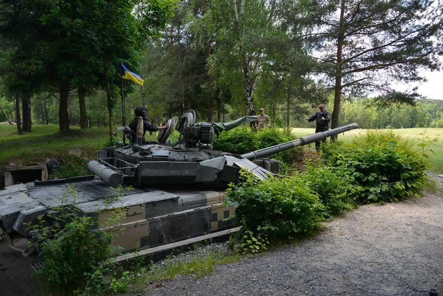 ウクライナのT-84
