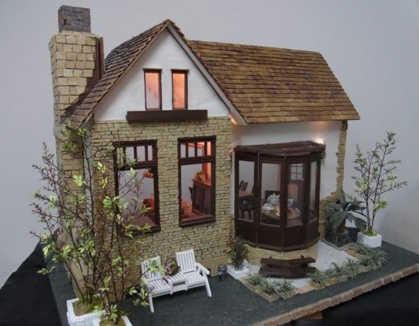 横浜人形の家で「夢のドールハウス&ドール ~12分の1の世界~」開催 15名の作家によるドールハウスが集結