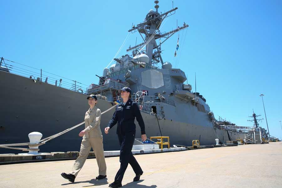 アメリカ海軍が新しい制服の部隊テスト開始