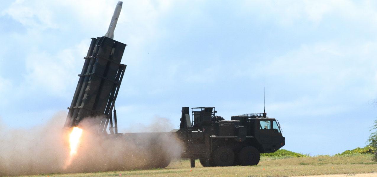 陸上自衛隊の対艦ミサイル部隊がハワイで標的艦の撃沈訓練