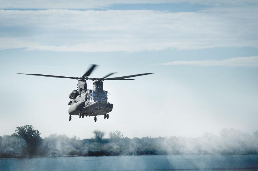 アメリカ陸軍が特殊部隊用に大型ヘリコプターMH-47GブロックIIを発注