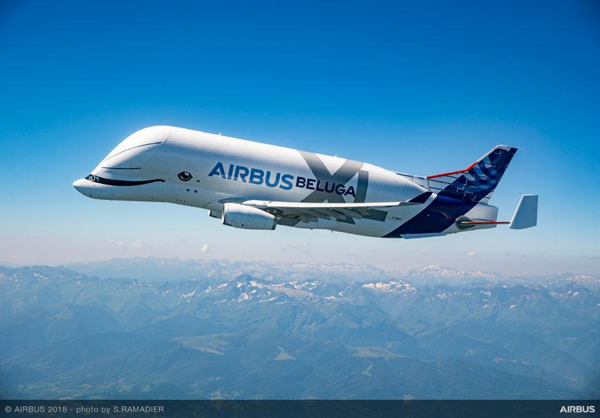 エアバスの新しい「シロイルカ」初めての空へ・巨大輸送機ベルーガXL初飛行