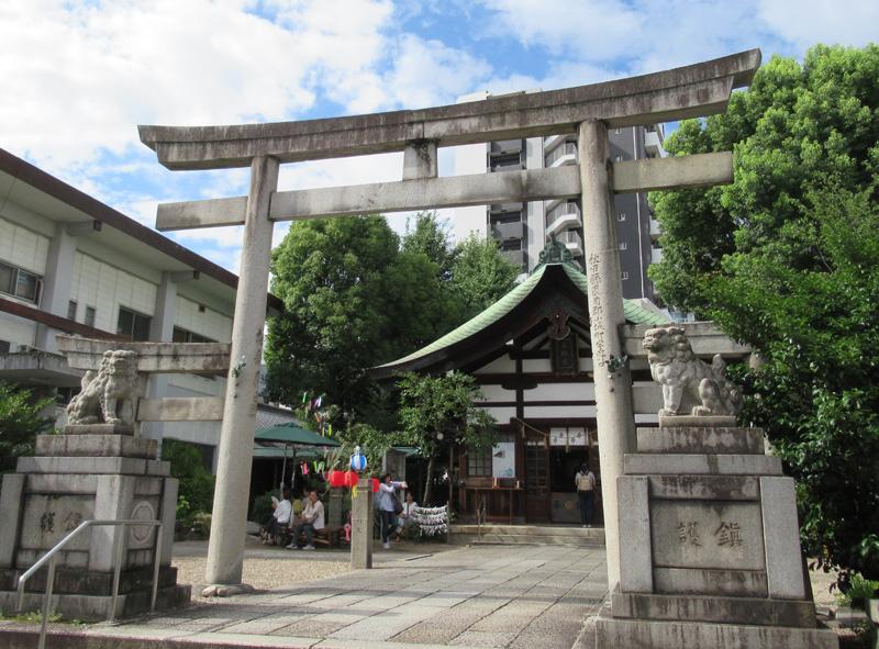 名古屋・大須のウラ探訪 三つ鳥居があるウサギだらけな「三輪神社」