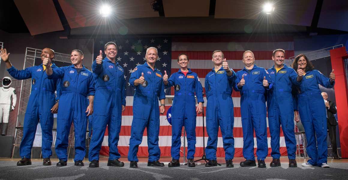 2種類の民間宇宙船に搭乗するアメリカ初の宇宙飛行士9名を発表