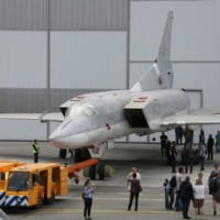 ツポレフ・超音速爆撃機Tu-22Mの最新型Tu-…