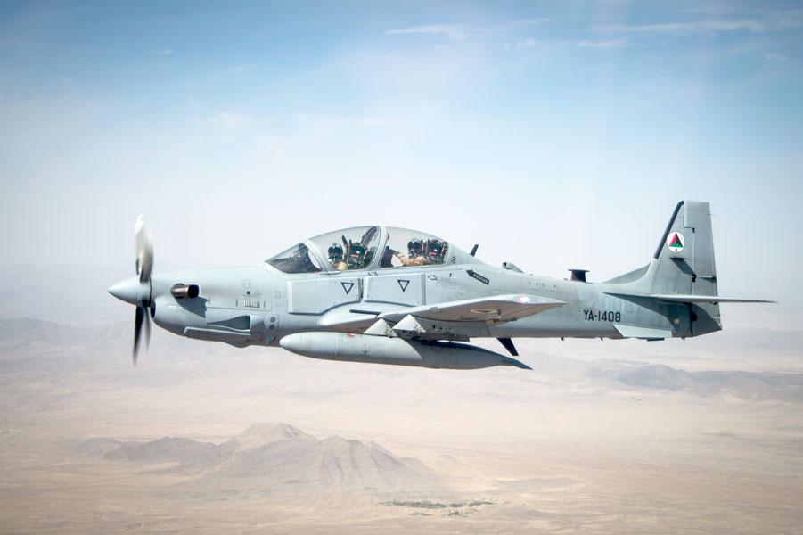 アメリカ空軍が新たな軽攻撃機採...