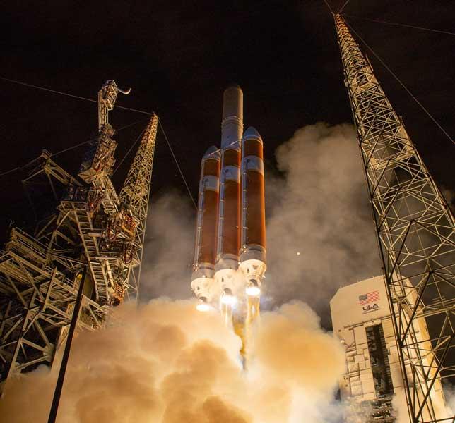 灼熱に耐える太陽探査機「パーカー・ソーラー・プローブ」打ち上げ成功