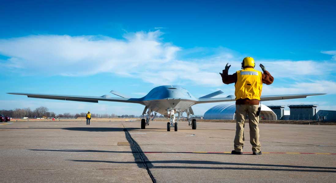 24時間営業できる空の無人給油所誕生!アメリカ海軍がMQ-25正式発注