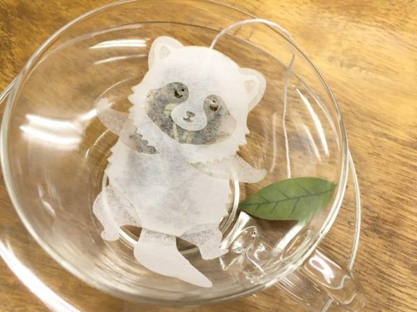 お湯を注ぐと色づく「ぽんぽこだぬきのティーバッグ」がめっちゃ可愛い!