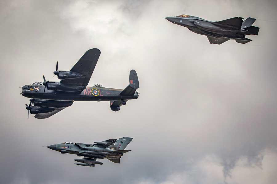 H(空軍100周年)部門第3席「617 Past, Present and Future(617飛行隊の過去・現在・未来)」クリス・トンプソン-ワッツ