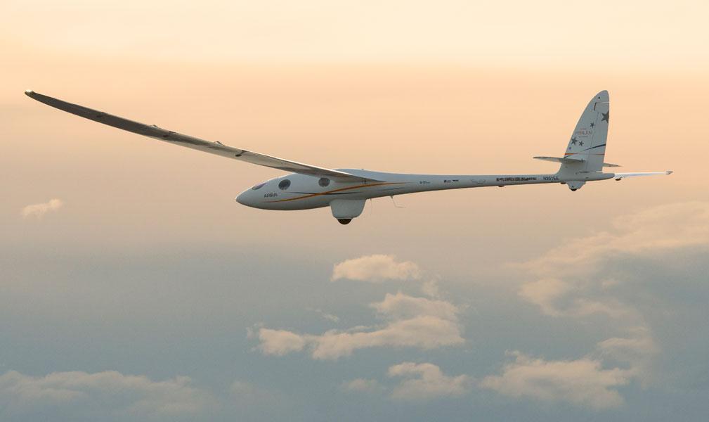 エアバス後援のグライダー「Perlan 2」が高度2万3000m超えの世界記録を更新