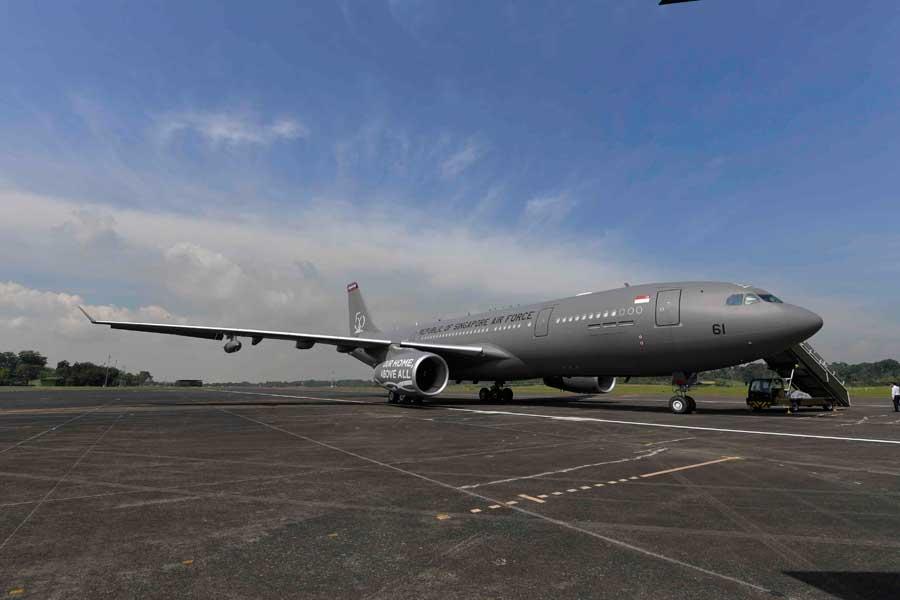 シンガポール空軍50周年記念パレードで新型空中給油機A330MRTTをお披露目