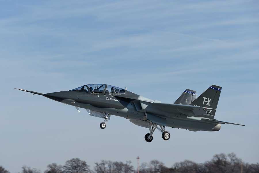 ボーイング/サーブT-Xの初飛行(Image:Boeing)