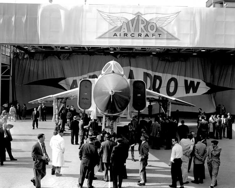 完成したアブロCF-105アローの1号機(Photo:RCAF)