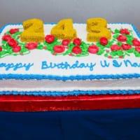 個性豊か!アメリカ海軍243回目の誕生日ケーキと…