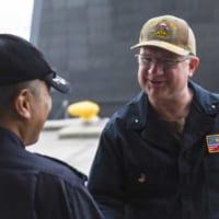 海上自衛隊の新鋭潜水艦せいりゅう アメリカ海軍の潜水艦隊司令…