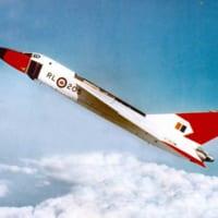 湖底に眠る「幻の戦闘機」の試験モデルを探せ!カナダでプロジ…