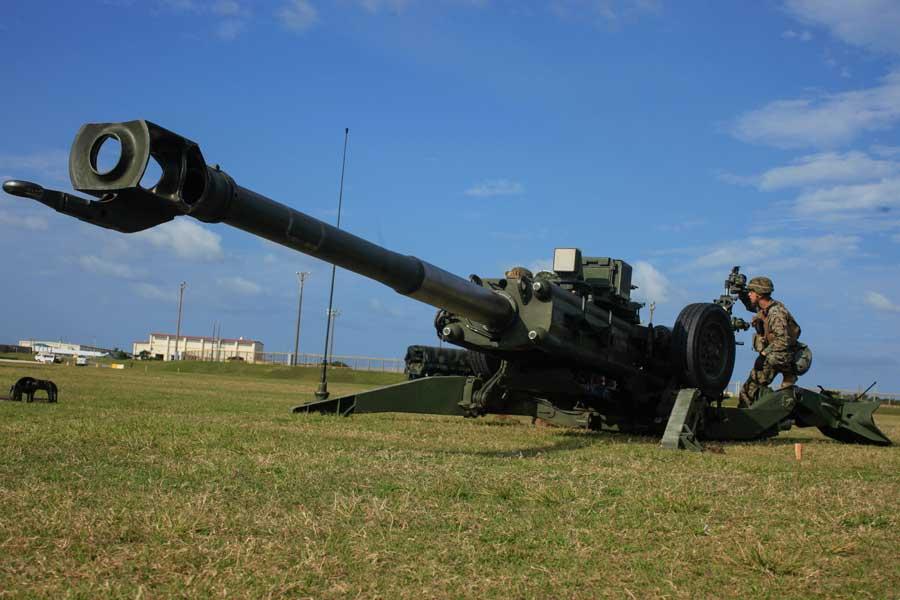 アメリカからインドへの155mm榴弾砲M777A2引き渡しを開始