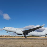 韓国空軍が空中給油機A330MRTTを受領 金海…