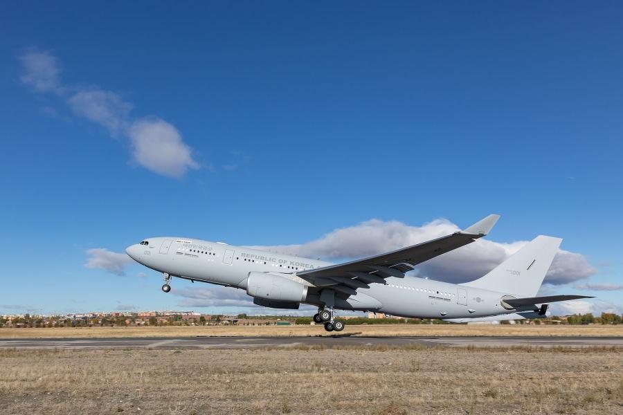 韓国空軍が空中給油機A330MRTTを受領 金海基地で運用試験を開始