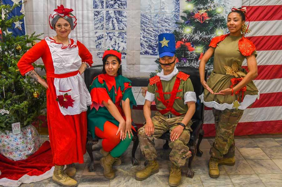これぞアメリカ軍の底力? アフガニスタンでもクリスマスパーティ開催