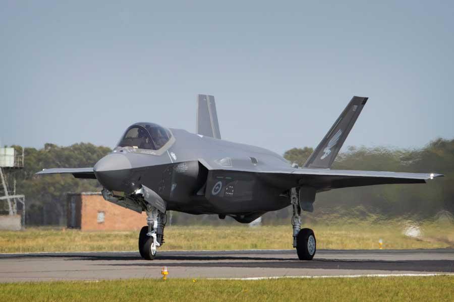 ウィリアムタウン空軍基地に着陸したF-35A(画像:オーストラリア国防省)