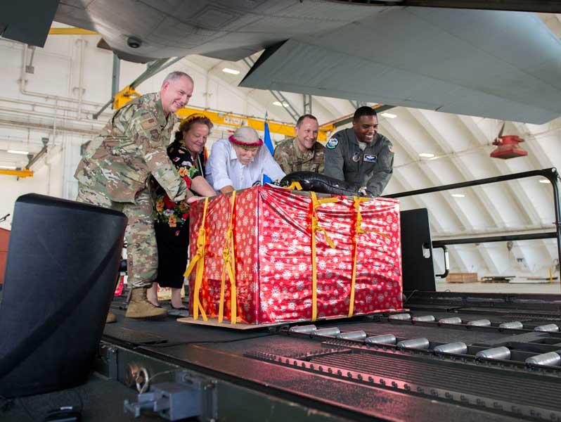 「クリスマス・ドロップ作戦」開始式(画像:USAF)
