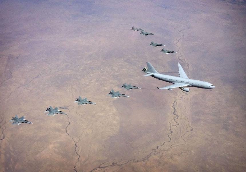 オーストラリア空軍のKC-30A(A330 MRTT)とF/A-18(画像:AIRBUS)