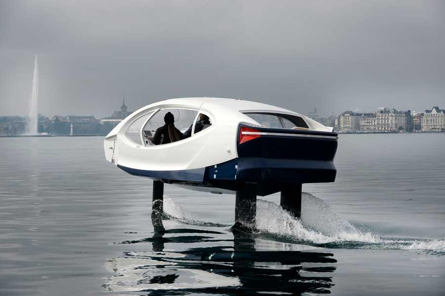 未来のカーシェアリングは水の上?クルマみたいに使える水中翼船「Sea Bubbles」