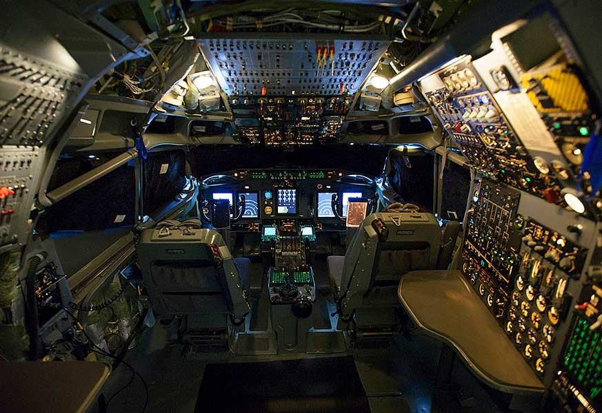 NATOのAWACS改修機のコクピット(画像:Boeing)